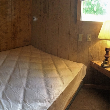 7 man cabin bedroom 750x563