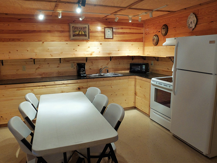 river lodge cabin 23 kitchen 750x563